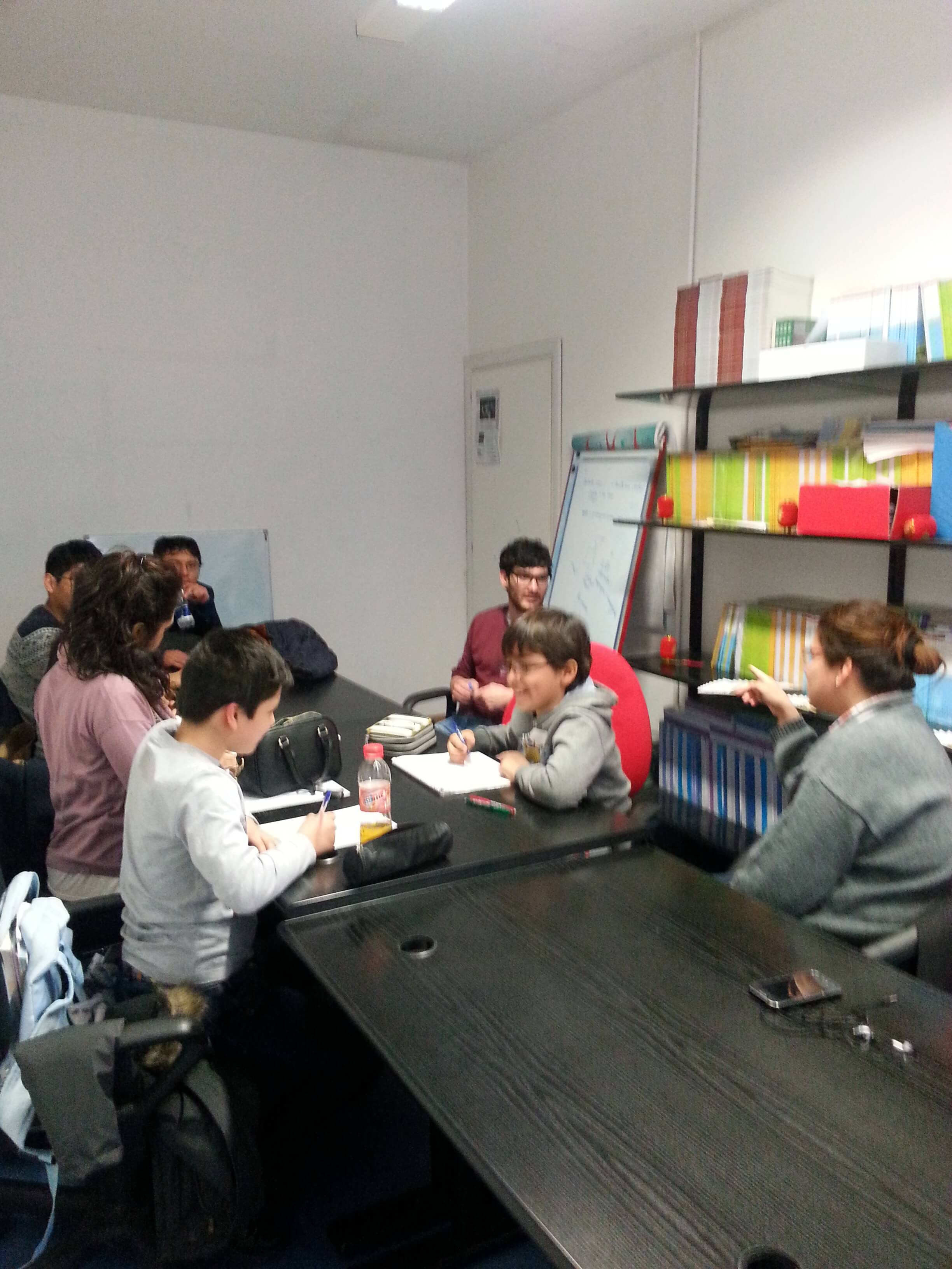 Inglese esperto estudiantes peruanos en torino for Nascondi esperto