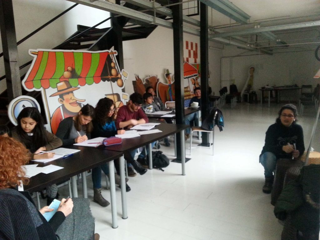 Spagnolo esperto estudiantes peruanos en torino for Nascondi esperto